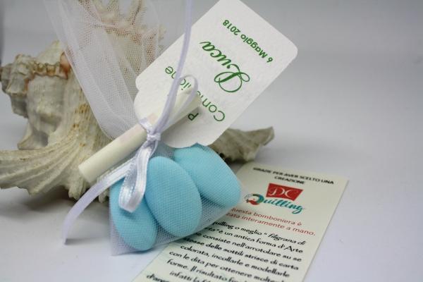 confetti con tag personalizzata e pergamena