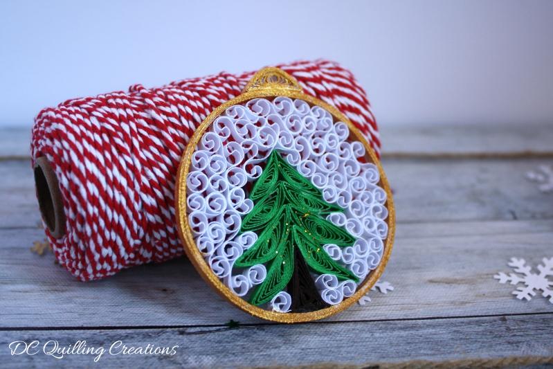 addobbi di Natale fai da te con la carta quilling