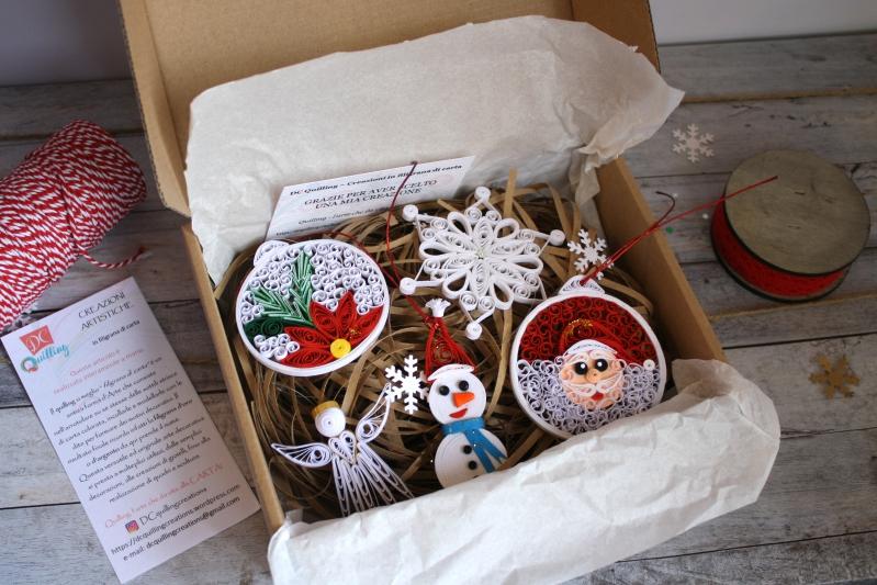 scatola regalo addobbi di natale in filigrana di carta