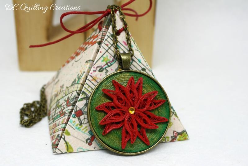 ciondolo stile vintage con stella di Natale in filigrana di carta